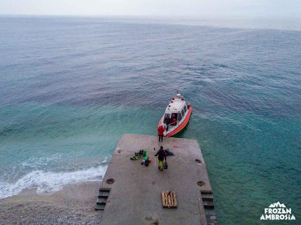 Landing the sea taxi at Dionysiou Monastery